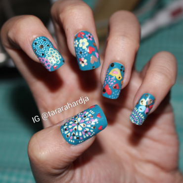 Doodling on Teal nail art by Tara Rahardja
