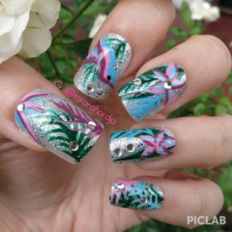Tropical Rainforest on Glitter nail art by Tara Rahardja