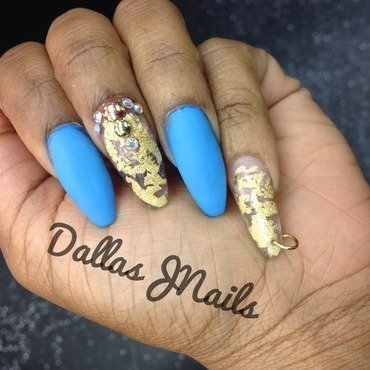 Matte and gold leaf  nail art by Dallas