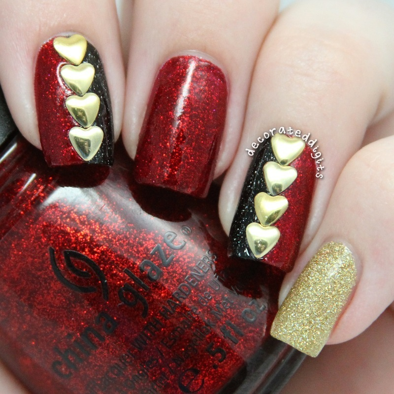 Queen of Hearts nail art by Jordan