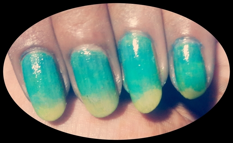 TURQUES WAVES nail art by Kathrine