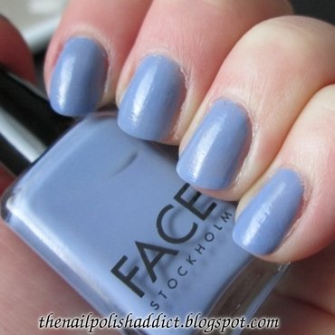 Face Stockholm Want-A-Blue Swatch by Leah
