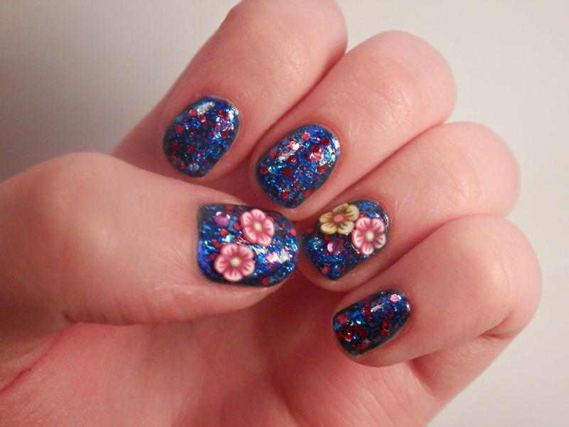 glitter bomb nail art by Enni