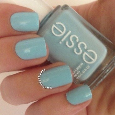 Essie Mint Candy Apple Swatch by Claudia