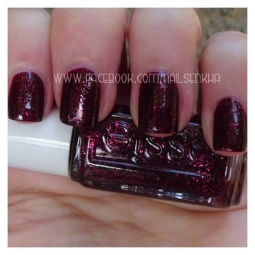 Essie Toggle to the top 285 Swatch by Nailsenkha