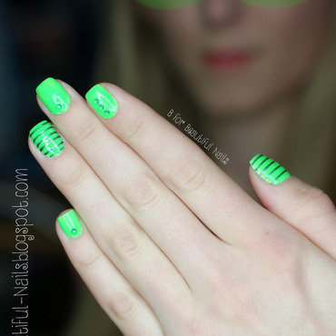Nails green 1 thumb370f