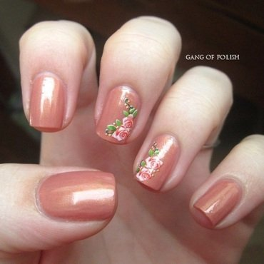 Little romantic flowers nail art by Gang Of Polish