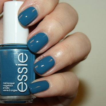 Essie Hide & Go Chic Swatch by Maria Marker