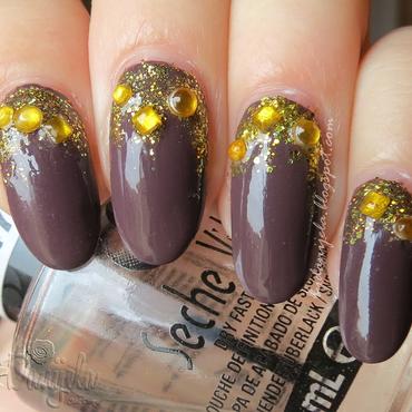 Glitter gradient nail art by bydanijela