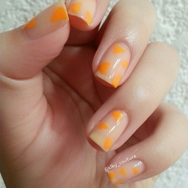 Abstract triangles nail art by Ximena Echenique