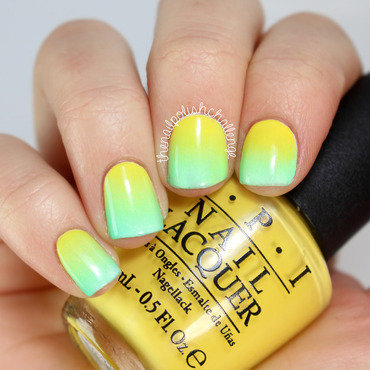 Summer Gradient nail art by Kelli Dobrin