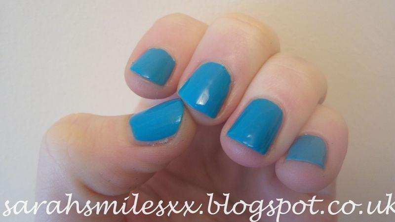 Models Own Blue Glint Swatch by Sarah Clarke