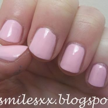Models Own Pink Veneer Swatch by Sarah Clarke