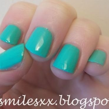 Models Own Turquoise Gloss Swatch by Sarah Clarke