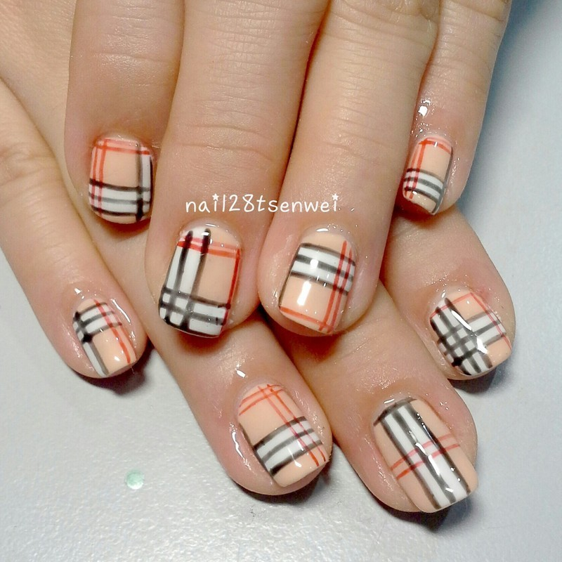 red nail art by Weiwei