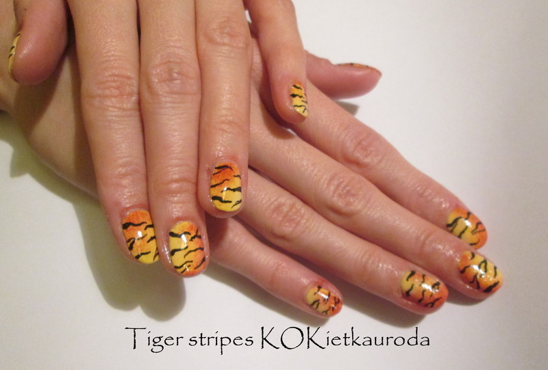 Tiger stripes nail art by Koralina