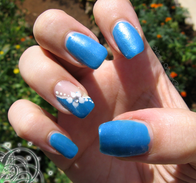 Sea flower nail art by Ninthea