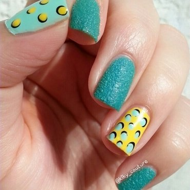 Dotticure nail art by Ximena Echenique
