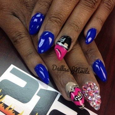Lips and lipstick nail art by Dallas