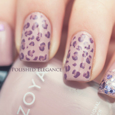 Neutral leopard nail art by Lisa