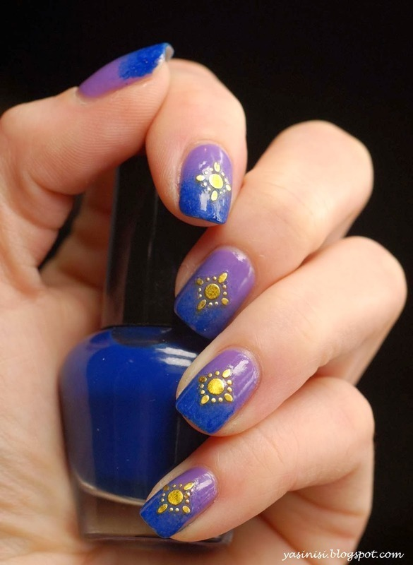 Blue, purple and gold nail art by Yasinisi