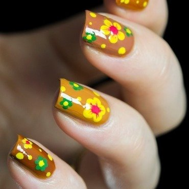 Flower power nail art2 thumb370f