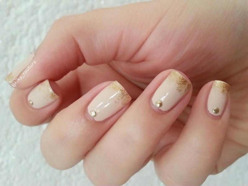 Gold Ombre nail art by Ximena Echenique