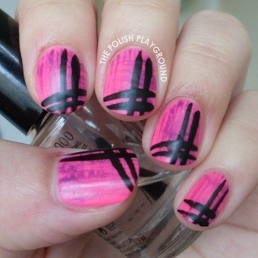 Contrasting stripey nails nail art thumb370f