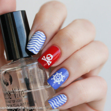 Nautical nail art nail art by Cajon de los esmaltes