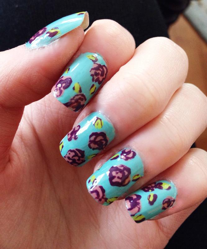 Vintage Floral nail art by Anya Qiu