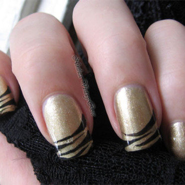 Gold and black nail art by Ninthea