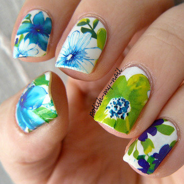 Spring flowers nail art by Ewlyn