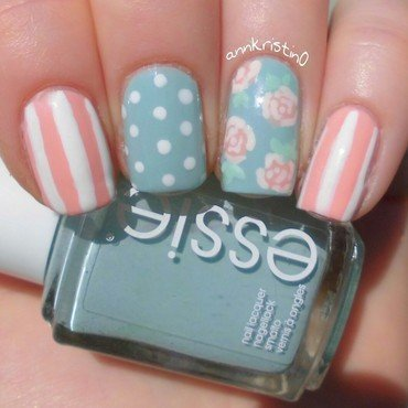 Vintage Nail Art Mint/Peach nail art by Ann-Kristin