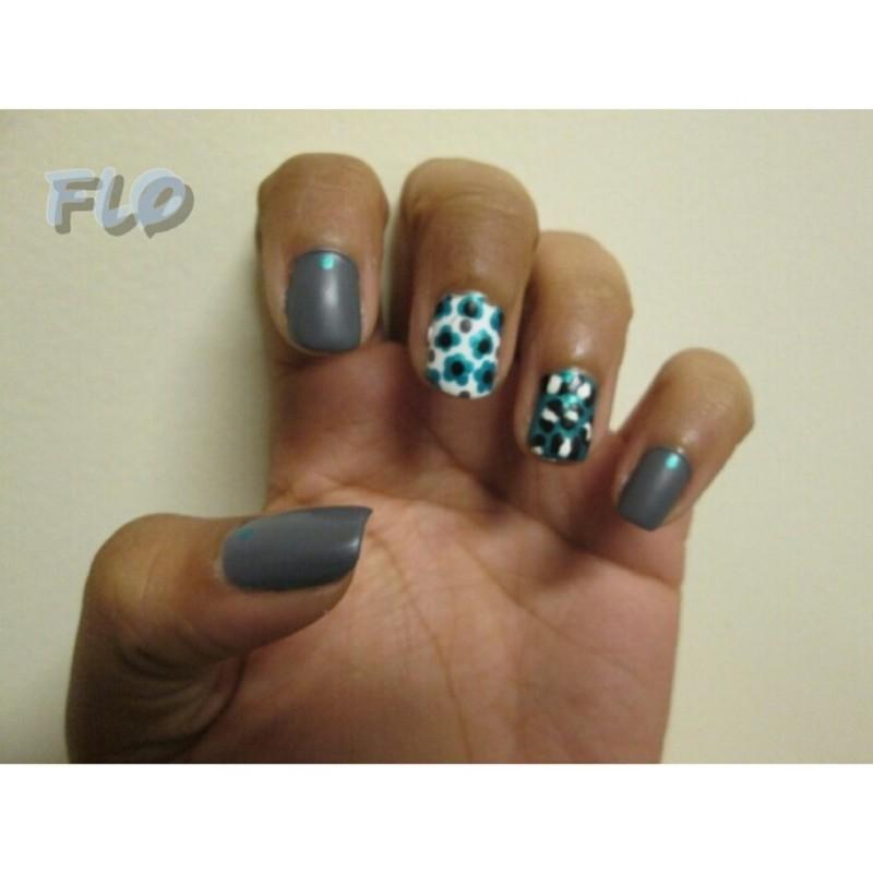 Matt Me Teal nail art by Flo