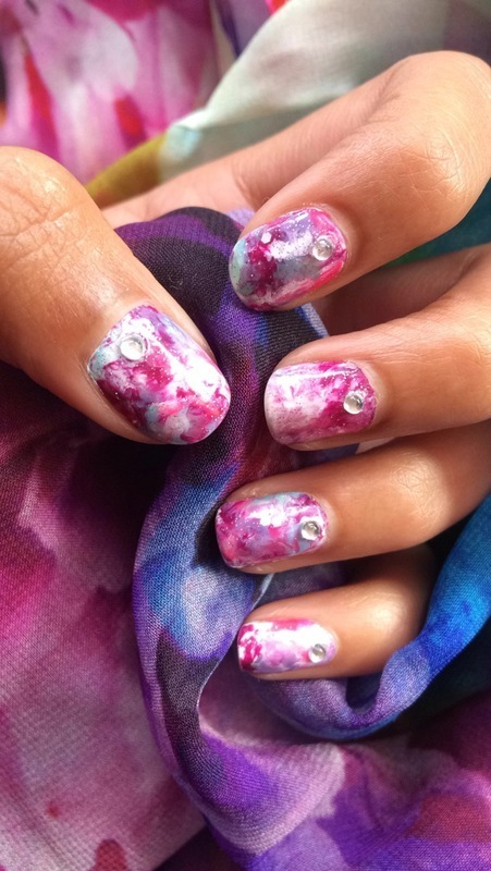 A Swoosh of Colours nail art by Nikita Natali