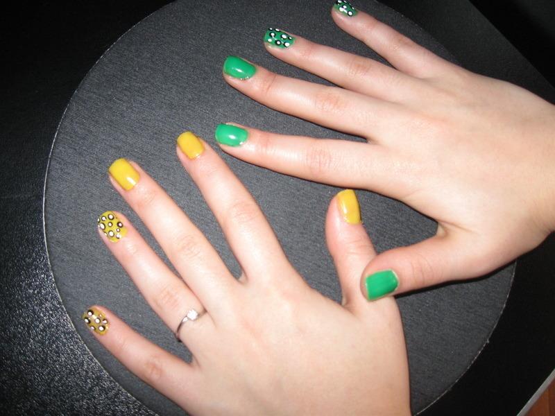 Green And Yellow Nail Art By Teo Nailpolis Museum Of Nail Art