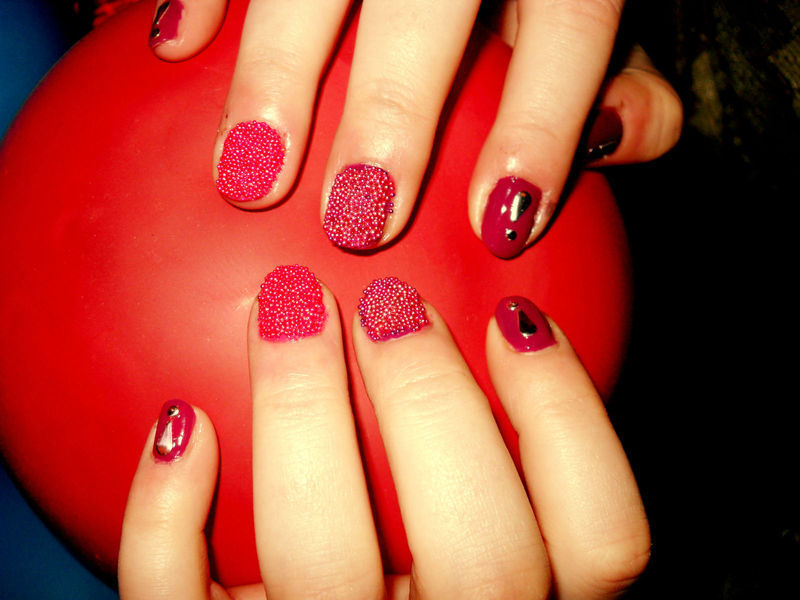 caviar and red nail art by Teo