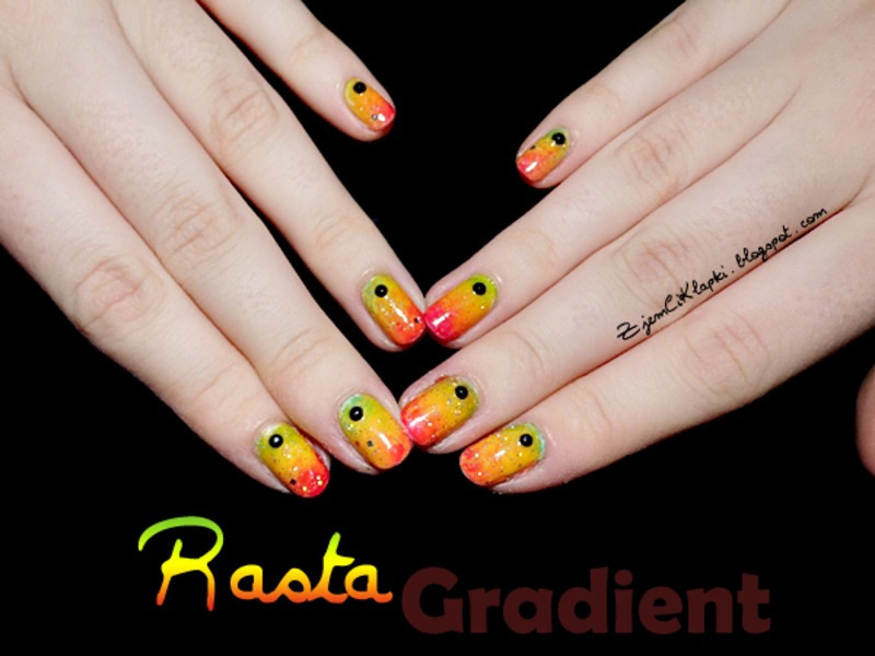 Rasta gradient nail art by SheLazy - Rasta Gradient Nail Art By SheLazy - Nailpolis: Museum Of Nail Art