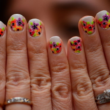 Floral Nails nail art by Marisa