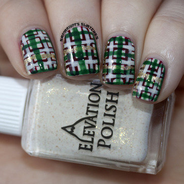 Christmas Plaid nail art by Sarah Eubanks