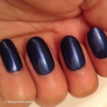 Sassy Cats Lacquer give me sapphires Swatch by Mohrayma C.
