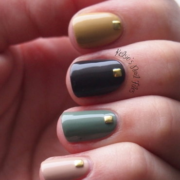 Skittle Mani nail art by Kelsie