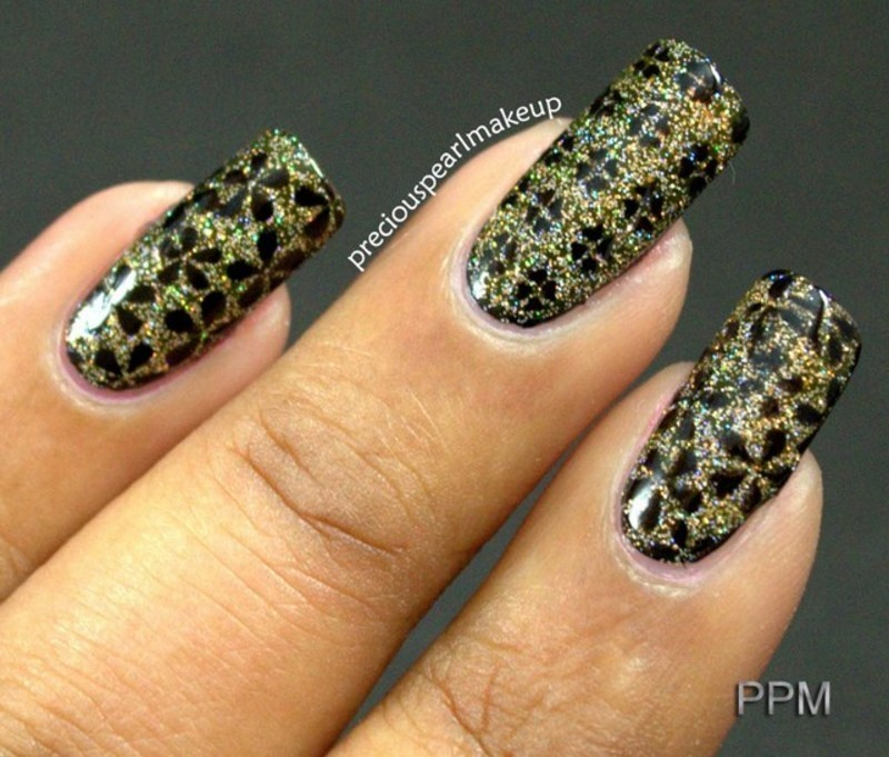 Holo Flowers nail art by Pearl P.