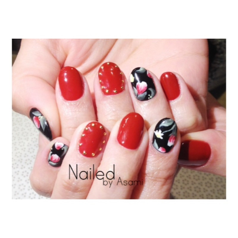 Flower pattern for Spring  nail art by Asami