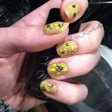 Yellow flowers nail art by Kayla