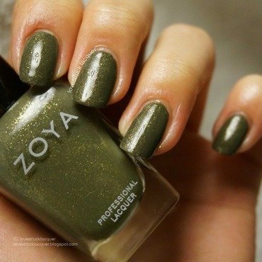 Zoya Yara Swatch by Stephanie L