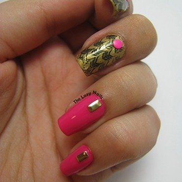 Bright pink and gold nail art by Hadas Drukker