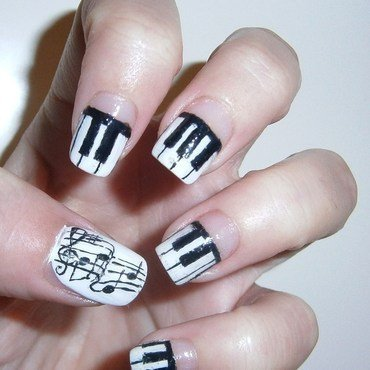 Piano nail art nail art by sissynailsmakeup