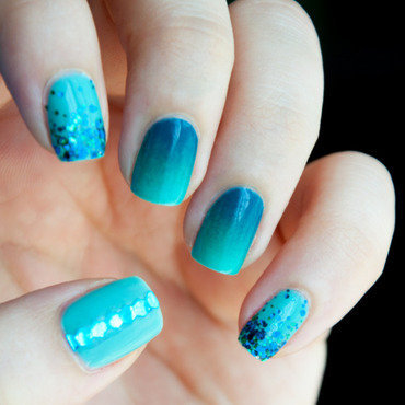 Teal Gradients nail art by Chasing Shadows