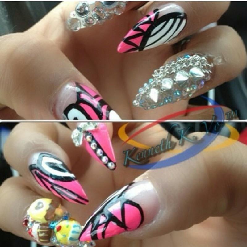 Cupcakes and  nail art by Kenny